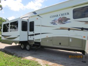 Campers For Sale In Mn >> Rvs And Campers For Sale All Campers Camper Service